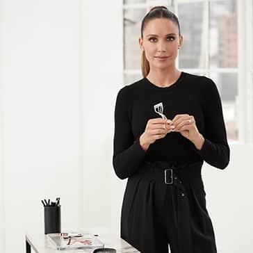 Celebrity Makeup Artist & 2020 Tweezerman Brow & Lash Ambassador Mary Phillips